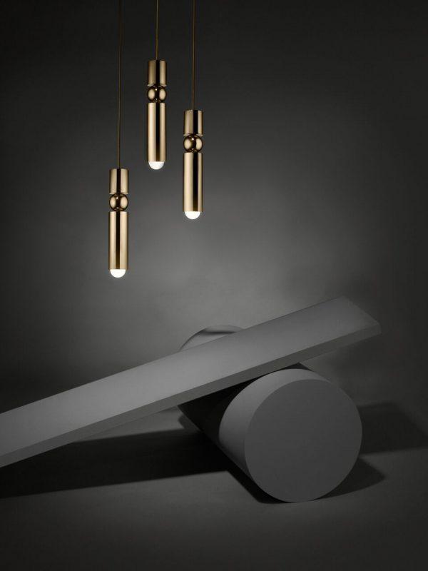 """Lee Broom pakabinamas šviestuvas """"Fulcrum Light Brass"""""""