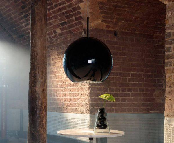 """Tom Dixon pakabinamas šviestuvas """"Copper Round Black"""""""